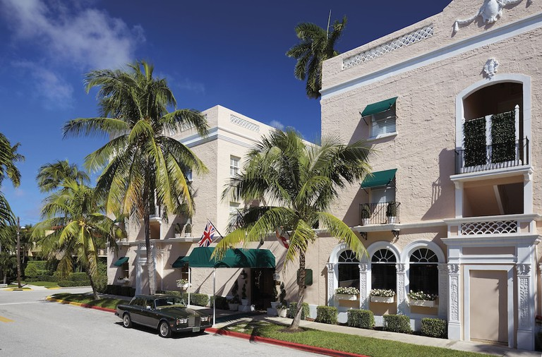 Chesterfield Hotel & Suites,