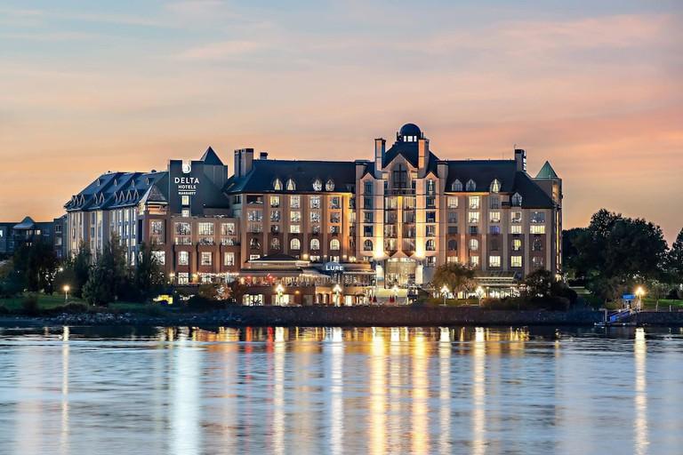 Delta Hotels by Marriott Victoria Ocean Pointe Resort