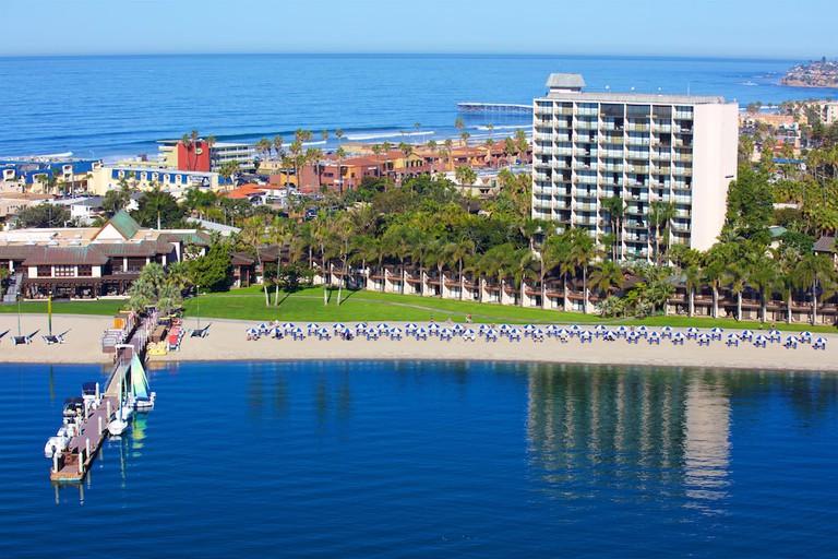 61edbe54 Catamaran Resort Hotel
