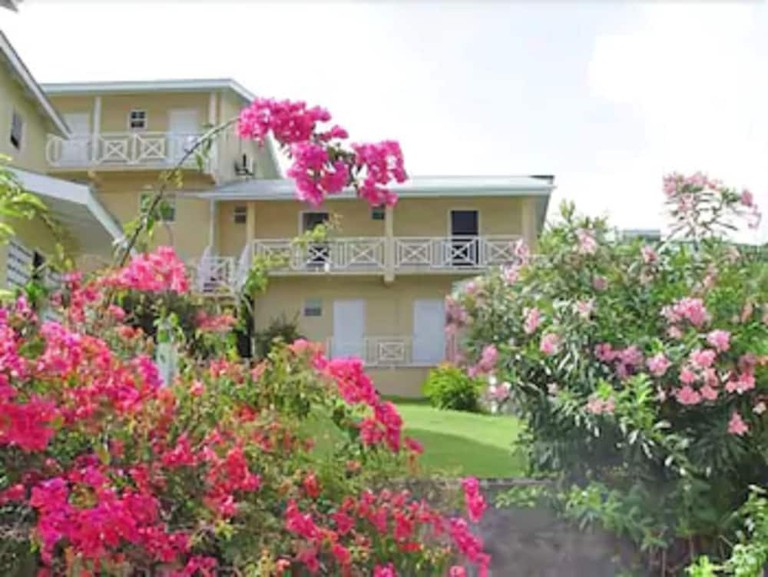 Wave Crest Holiday Apartments, Grenada