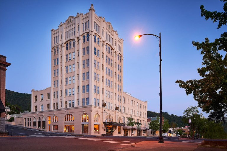 Ashland Springs Hotel, Oregon