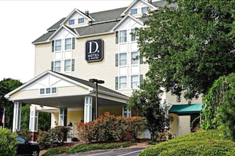 0d1c4809 D. Hotel Suites & Spa