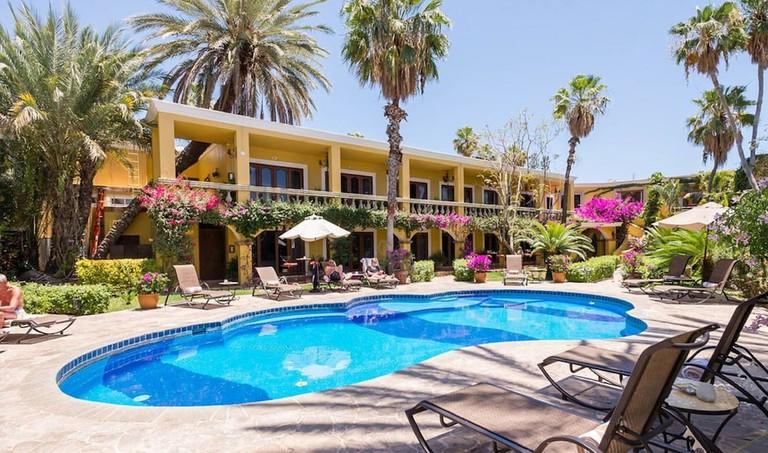 El Encanto Inn and Suites