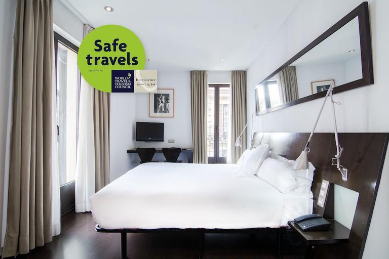 Guest room at Petit Palace Arana