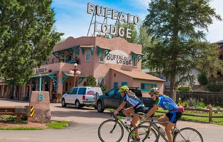 195215275 - Buffalo Lodge