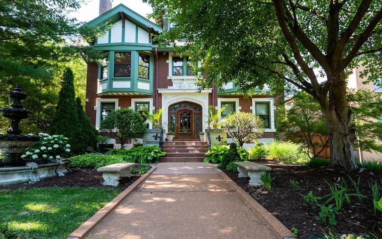 Fleur De Lys Mansion