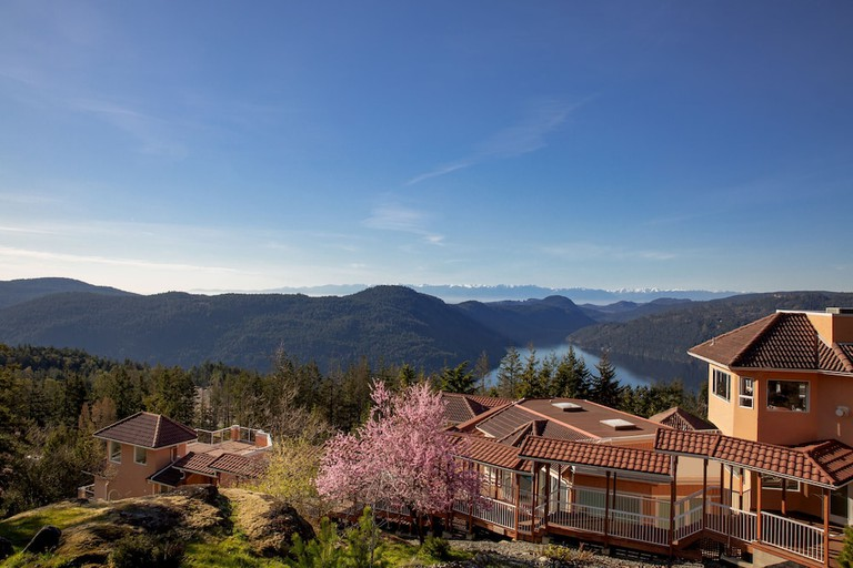 Villa Eyrie Resort, Vancouver Island