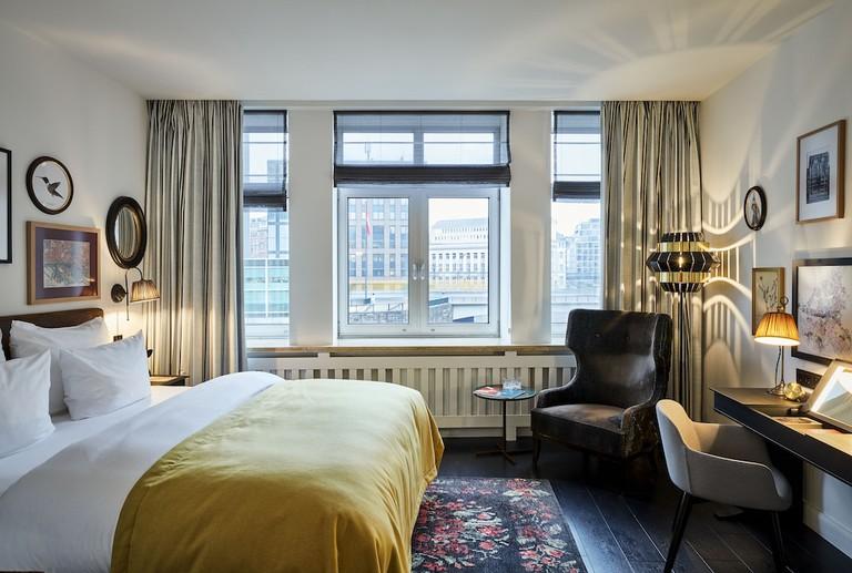 Sir-Nikolai-Hotel_485d6c74
