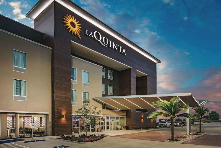 La Quinta Inn & Suites by Wyndham Dallas Plano - The Colony