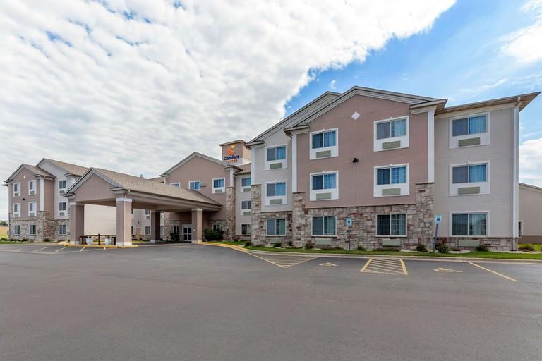 Comfort Suites Delavan - Lake Geneva Area_b3cc17f0