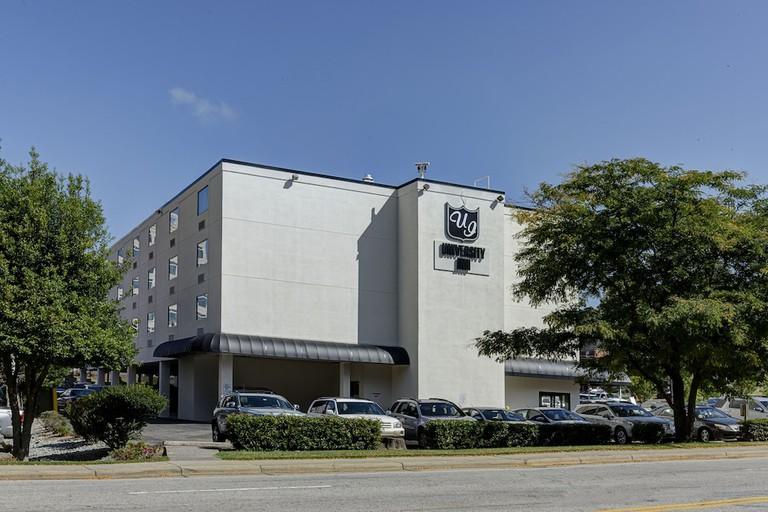 e93cfcd8 - University Inn