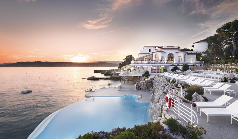 PROVENCE-ALPES-COTE D'AZUR, FRANCE - NOVEMBER 29, 2017: The hotel Du Cap Eden-Roc in Antibes on the French Riviera (Cote d'Azure). Dominique Boutin/TASS