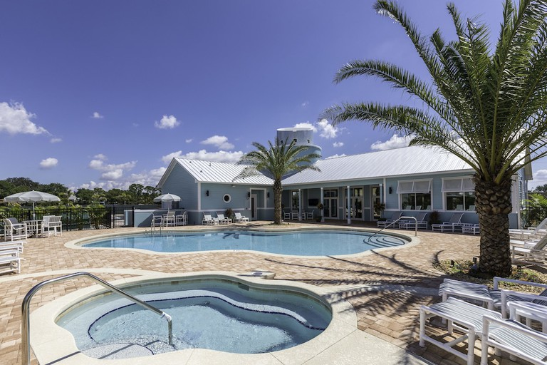 Cape Crossing Resort and Marina
