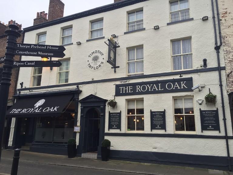 34466b2d_y - The Royal Oak