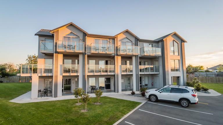Coastal Ridge Apartments