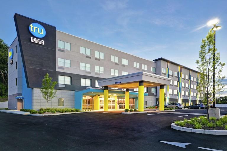 44326563 Tru by Hilton Chicopee Springfield