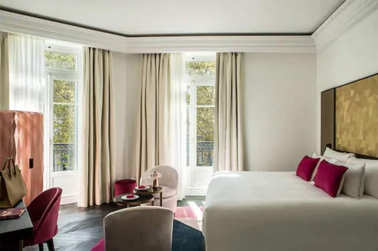 Prestige Suite 809 salon