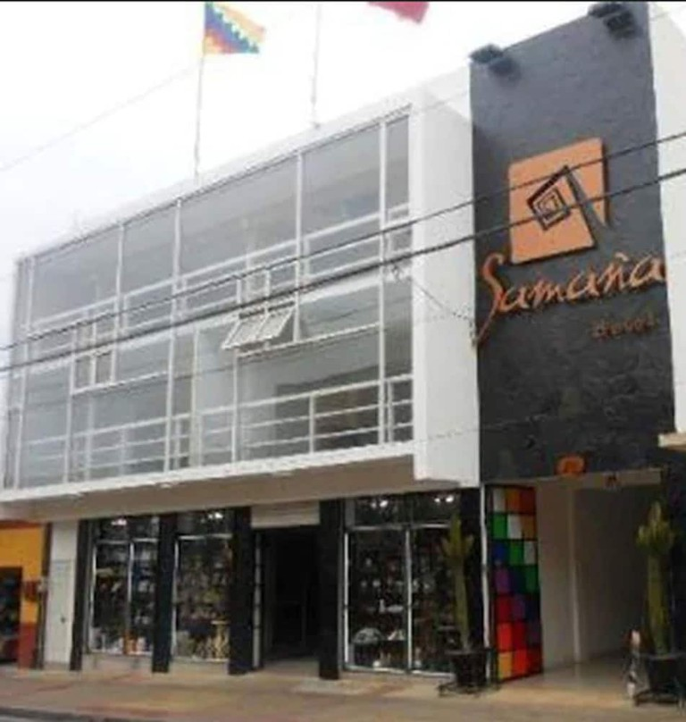 Entrance to Hotel Samana  Will Lees