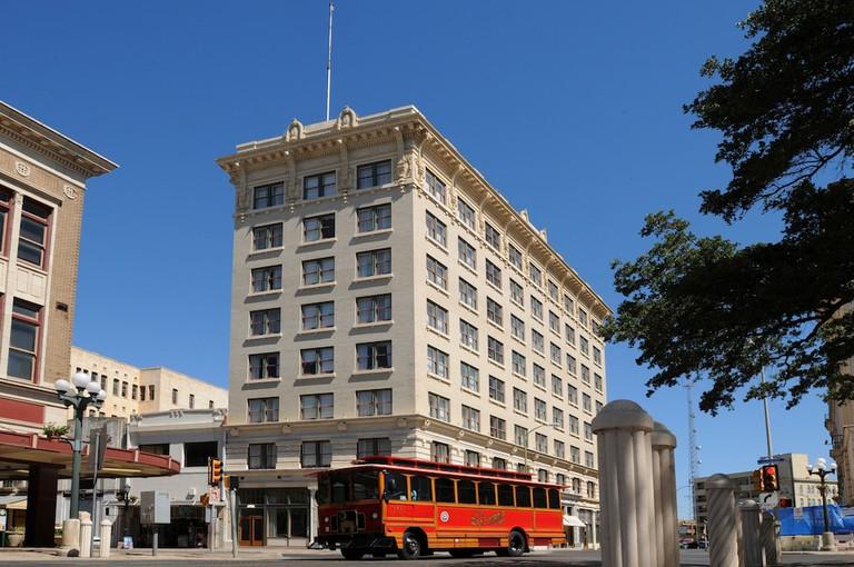 Hotel Gibbs Downtown Riverwalk