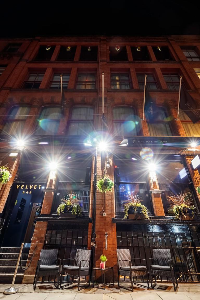 Velvet Hotel & Bar