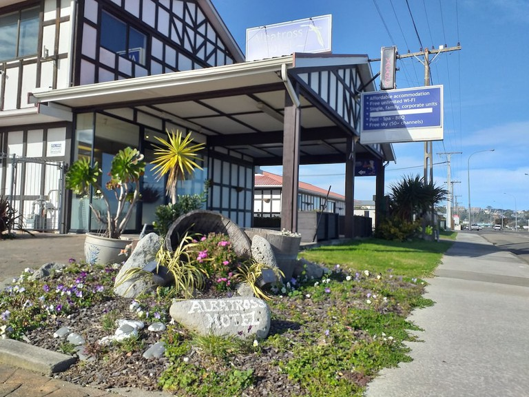 Albatross Motel