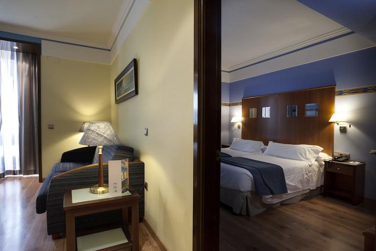Suites Gran Via 44