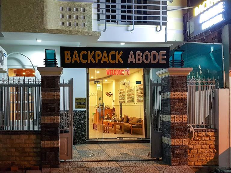 Polylu Coffee & Backpack Abode Hostel