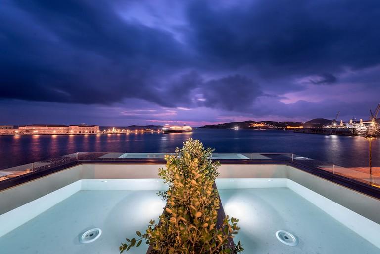 Shapes Luxury Suites 1