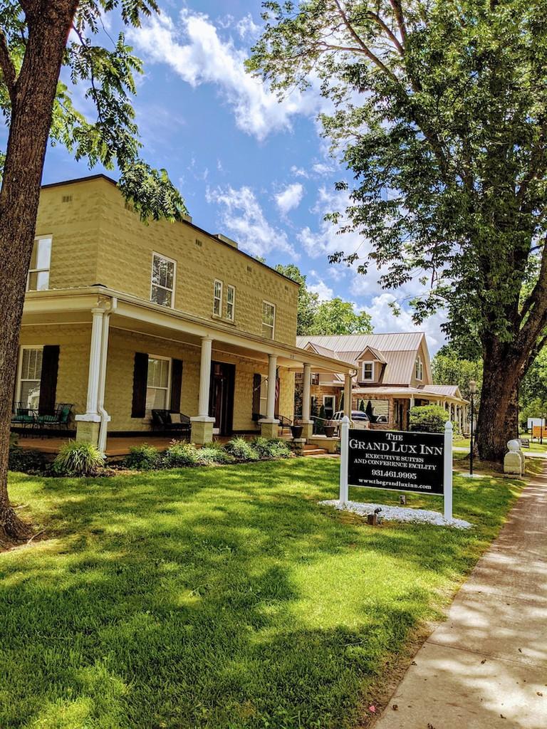 The Grand Lux Inn
