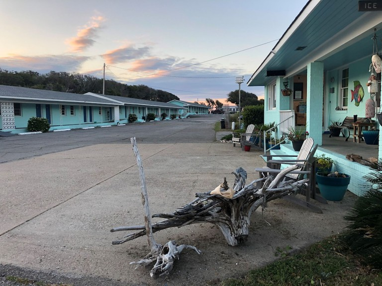 Swell Motel