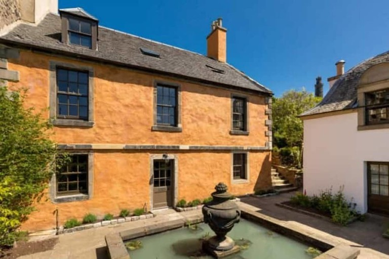b61eddb1 - The Rock House- Historic Gem in the Heart of the City