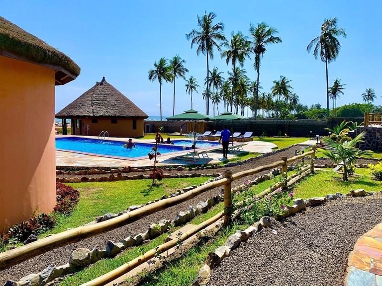 Lemon Beach Resort, Elimina