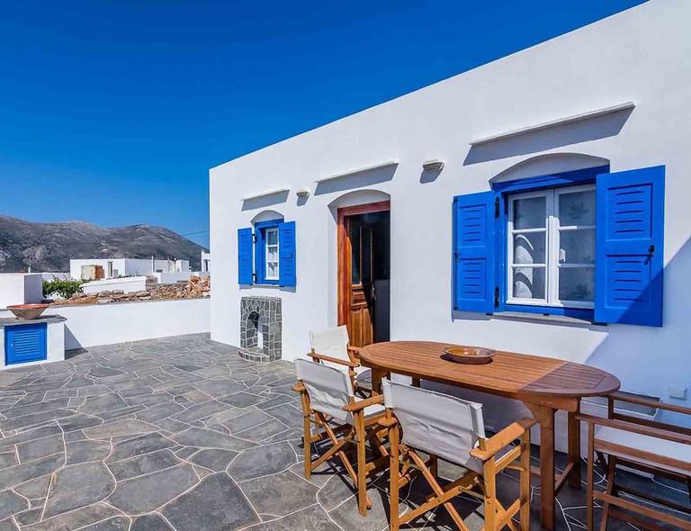 Sifnos - Spacious 2-bedroom house with fantastic yard, Artemonas