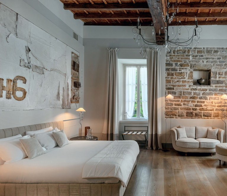 GombitHotel, Lombardy