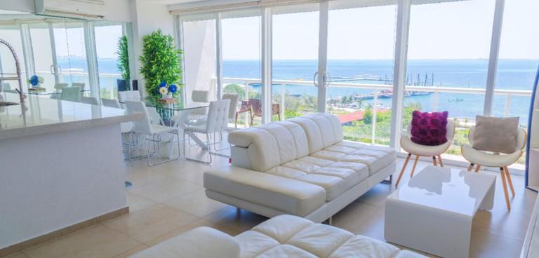 7840d204 - Marina Beachfront 2 Bdr – Amazing Oceanview