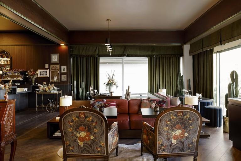 b03516e8 Life House, Lower Highlands