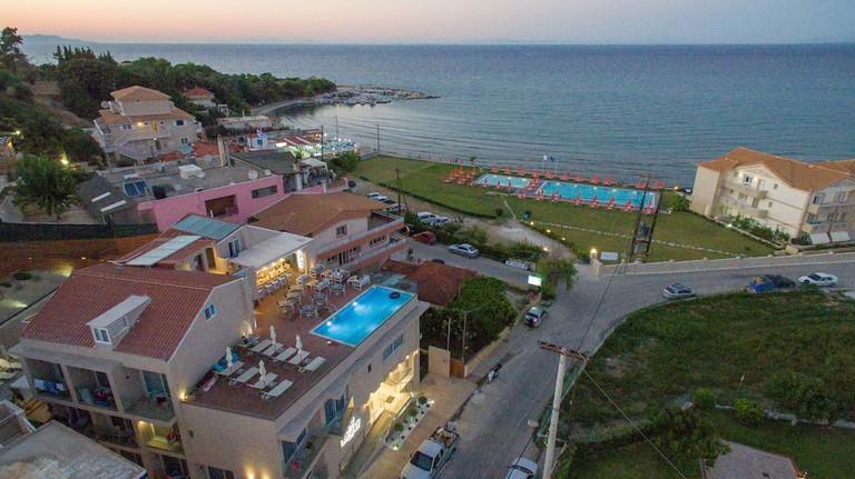 Planos Beach Hotel