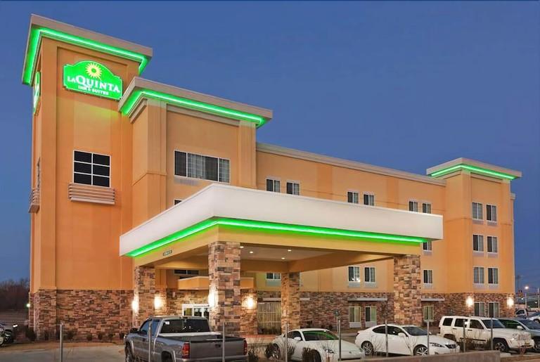 La Quinta Inn & Suites by Wyndham Tulsa - Catoosa Route 66