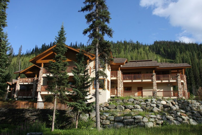 The Pinnacle Lodge