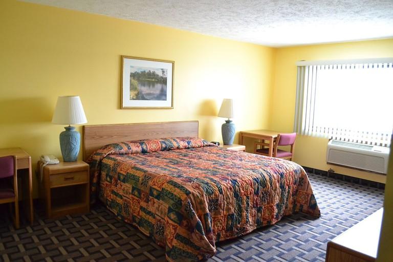 Sky Lodge Inn & Suites_8a1fe0b0
