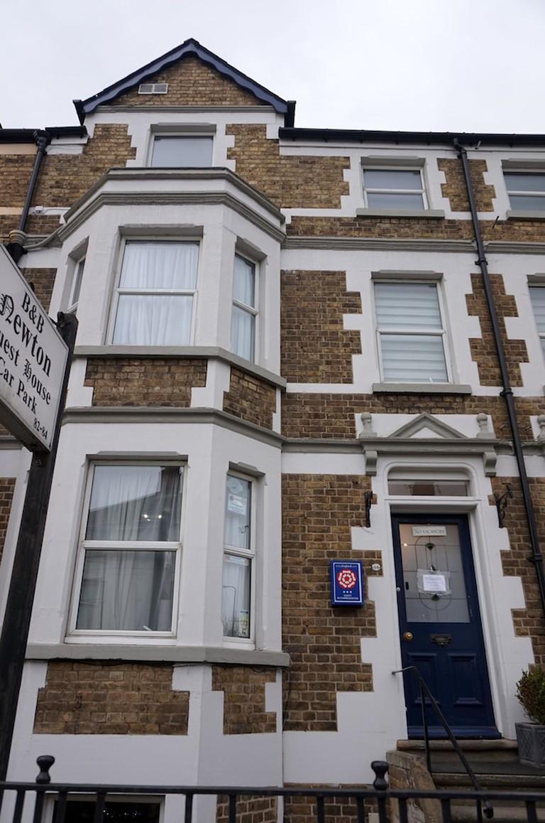 27dfa547 - Newton House