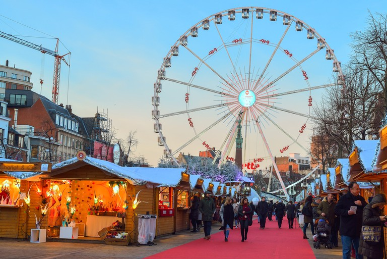 Christmas Market in in Saint Catherine square, Brussels | ©Cristian Puscasu/Shutterstock