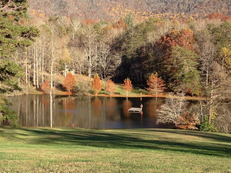 Trackrock Campground in Blairsville, GA @ Alexander Lake/Flickr