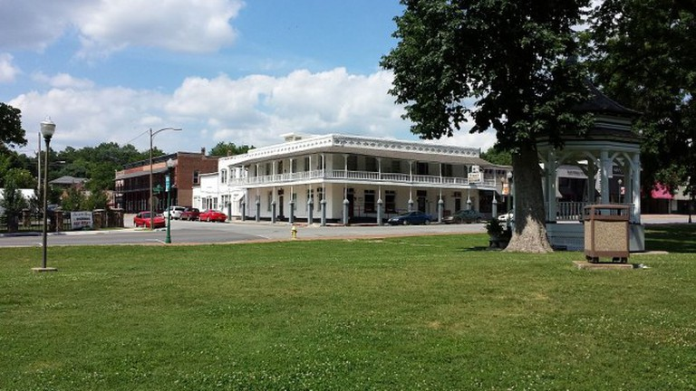 Downtown Siloam Springs/ ©WikiCommons