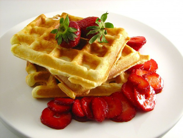 Waffles Are a Feature on the Menu | © Parkerman & Christie/WikiCommons