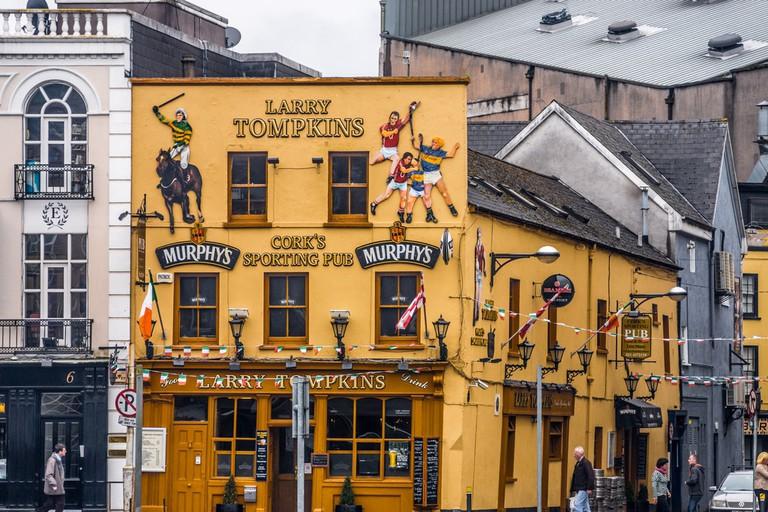Larry Tompkins Pub