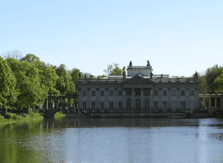 Łazienki Palace, is more romantically termed 'Palace on the Isle' © Paweł Kabański / Flickr