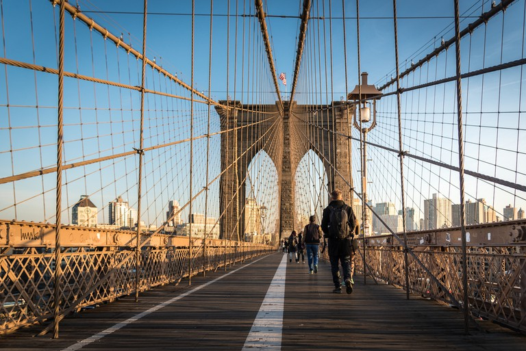Walking through the Brooklyn Bridge