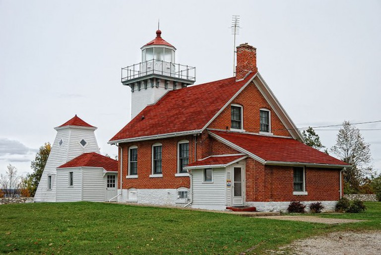 Sherwood Point Light, Door County, WI   © Dave from Beaver Dam, WI/WikimediaCommons