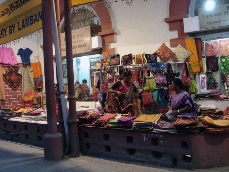 Ethnic shopping at Mahatma Gandhi Rd (MG Road) | © IK's World Trip/Flickr